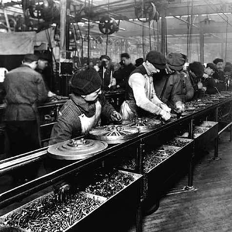 Revolução Industrial - linha de montagem