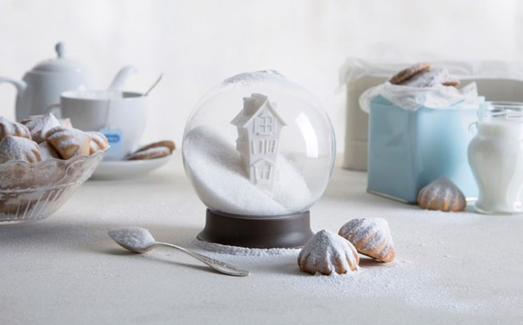 Like a snow globe but filled with sugar, this dazzling sugar bowl will bring glitters of 'snowflakes' to your tea,and make your drink sweeter. Size:10.8 X 10.8 X 12 cm. Please note: At this time we can not assure delivery before Xmas BUT we can guarantee you will lovethe product Don't miss the Sugar House …