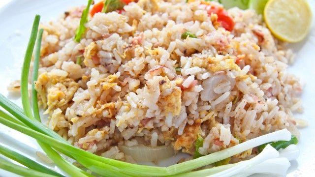 stegte ris (khao phat)