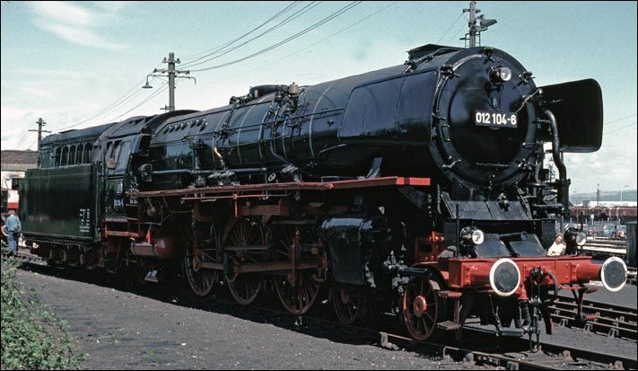 Deutsche Bahn oil fired 012 4-6-2 no. 012-104-6