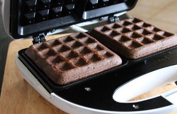 Cake Mix Waffles (any cake mix)..Uh yes! Must try! Funfetti waffles, anyone?