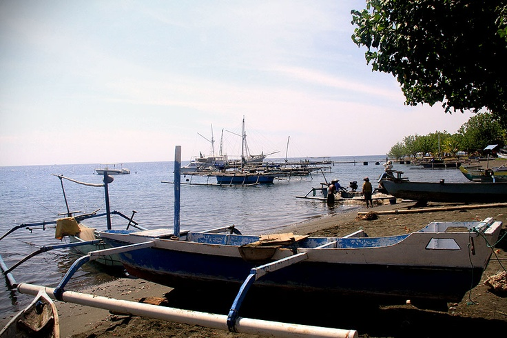 Although tourism has made its presence here, Pemuteran still retain its authentic characteristic as a traditional fishing village with all its coastal culture.