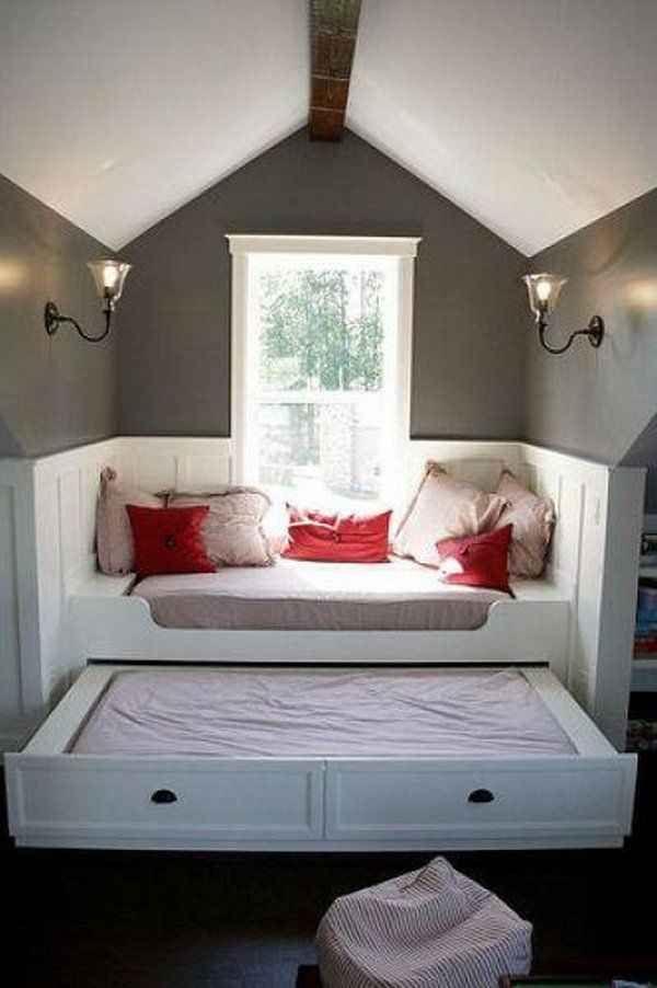 Coloca un sillón al nivel de la ventana añadiendo una cama anidada: | 43 ideas totalmente geniales para remodelar tu hogar