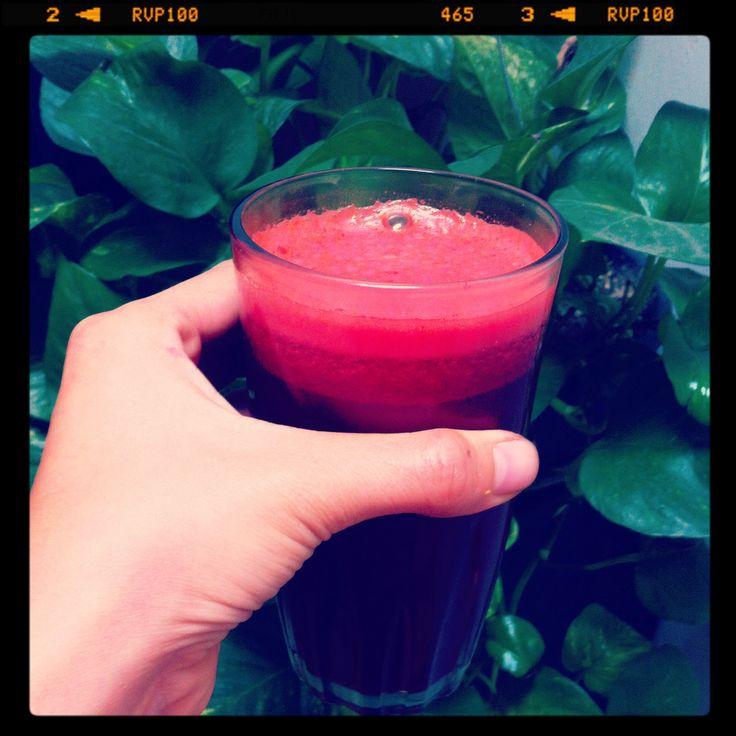 La medicina más deliciosa, jugo de betabel, directo a mi sangre...