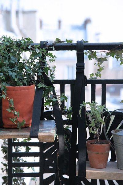 Jardnière esprit récup' pour rembarde balcon ou fenêtre