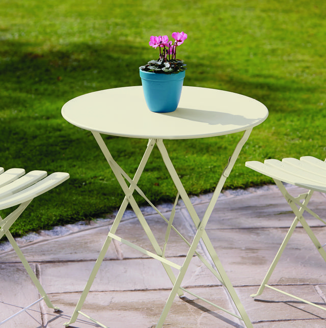 table painted in ronseal white ash garden paint - Garden Furniture Paint Colours