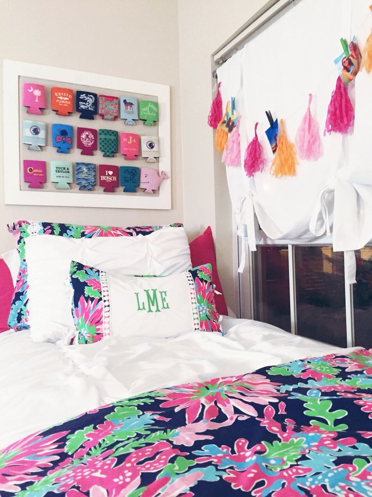 You Can Spend Endless Hours Shopping For Dorm Decor. So, We Picked The  Cutest Preppy Dorm Rooms To Copy With Stripes, Florals, And Ofcourse, Lily  Patterns! Part 39