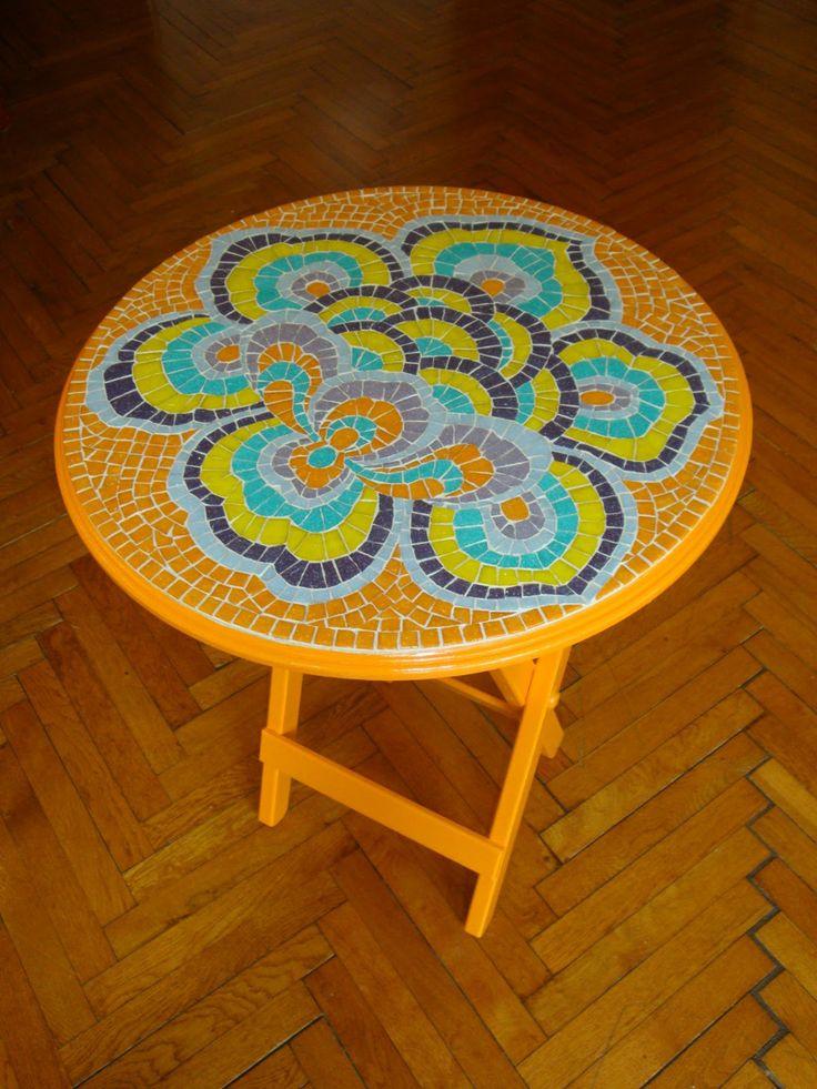 Çin çiçeği desenli mozaik sehpa