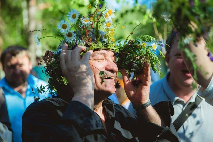 Alexander Sokurov is secretly a flower child ☺️ (June 14, 2015)