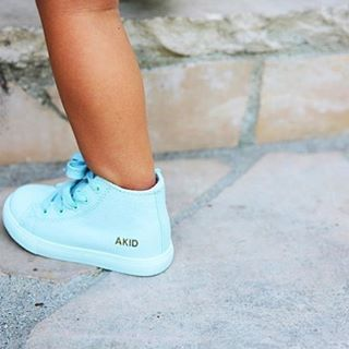📷 by @deepysleepy featuring the ANTHONY in ice blue. Shop link in bio. #akidbrand #akid #justbeakid