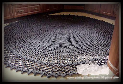 Wielki szydełkowy dywan...
