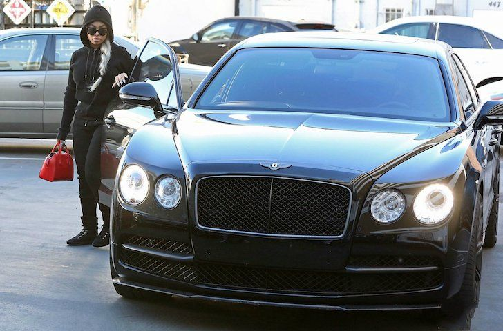 19 Female Celebrities Who Drive The Most Luxurious Cars In The World Beauty Fashion Fitness Tips In 2020 Best Luxury Cars Car In The World Celebrity Cars