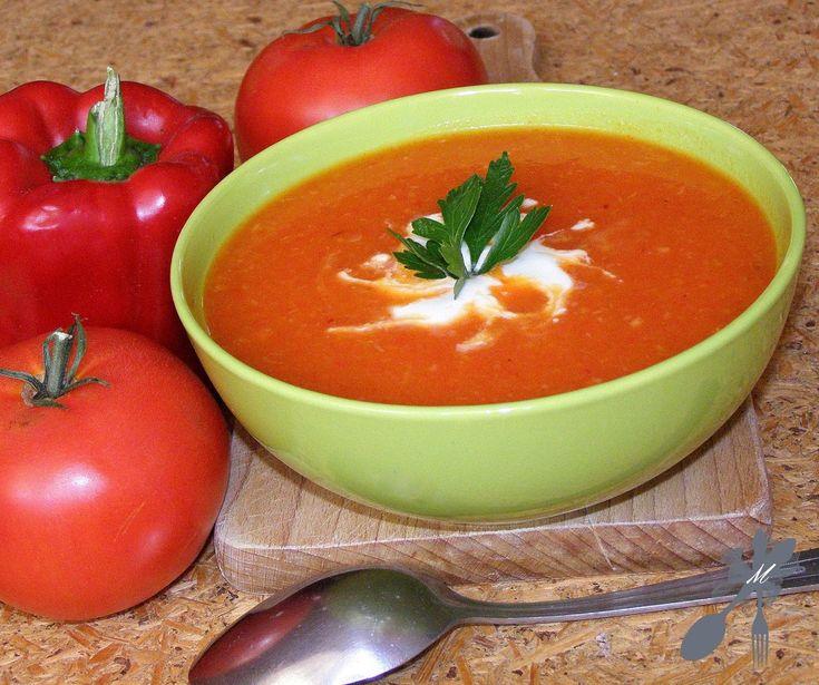 <center>Zupa krem z pieczonych pomidorów i pieczonej papryki</center>