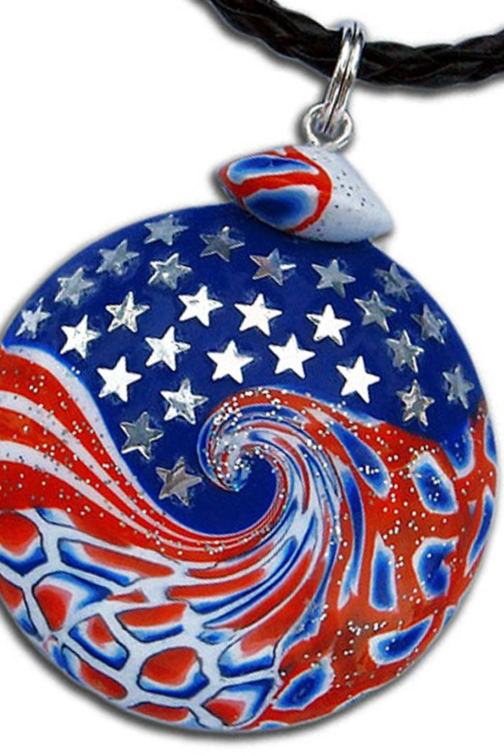 Throughout the world there are many people who love the United States, though never been there. I expressed my love for the United States by making this pendant :) It is made entirely by hand from polymer clay. https://www.etsy.com/listing/274058252/independence-day-4th-of-july-united
