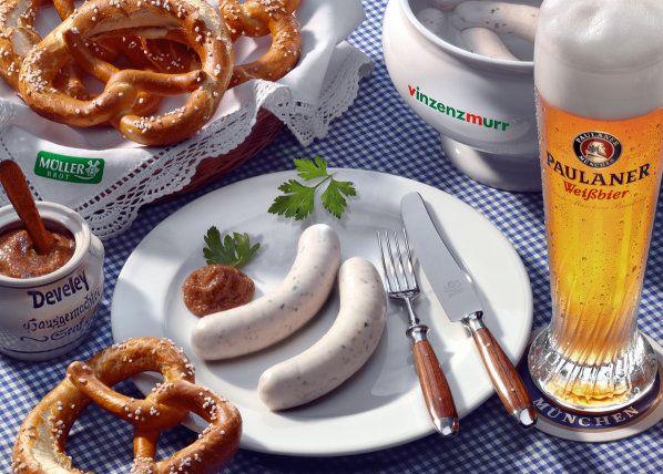 Weisswurst mit Brezel und Weissbier - Bayrisches Frühstück