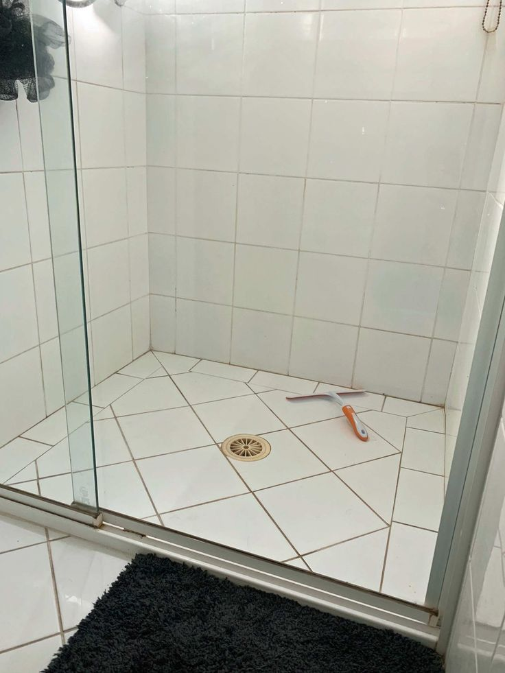 Aussie mum discovers one natural ingredient cleans shower