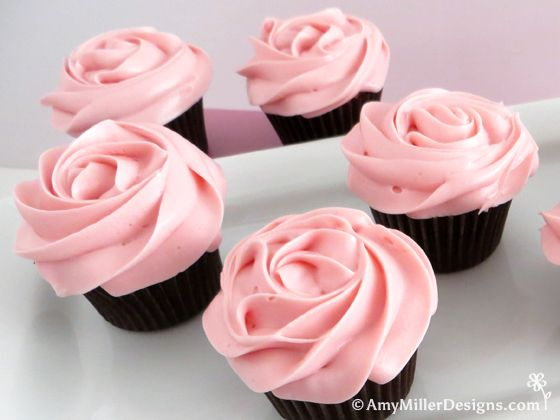 Tips on how to make rose frosted cupcakes by Amy Miller Designs