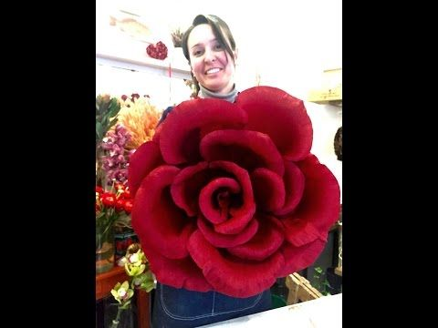 Mega rose in carta crespa (tutorial) - YouTube