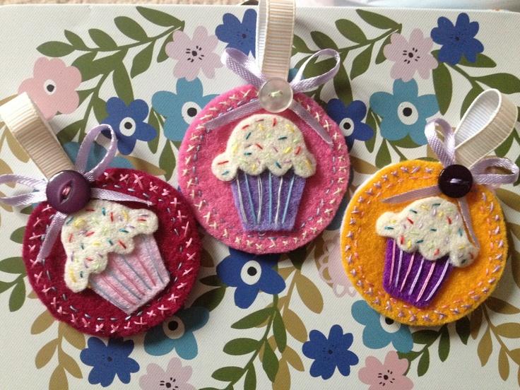 More homemade felt cupcake keyrings