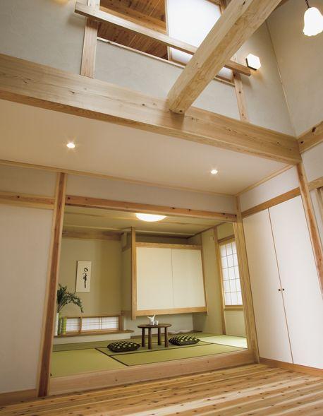 真壁(しんかべ)構造の家。吊り押入れは空間に広がりを与えてくれます。|和室|インテリア|おしゃれ|自然素材|