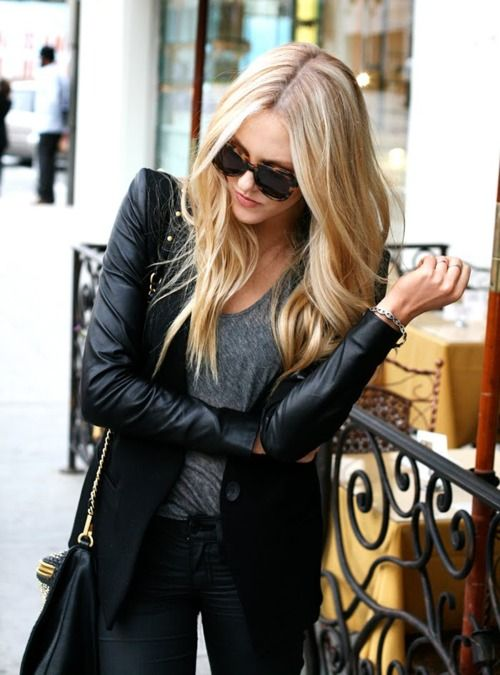 ✭: Outfits, Black Leather Jackets, Hair Colors, Leather Sleeve, Style, All Black, Blondes, Allblack, Leather Blazers