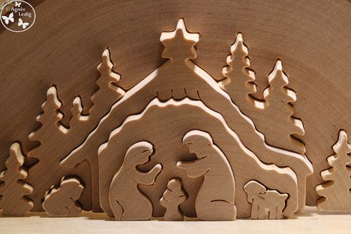 Aaaaah Noël ! Ses guirlandes, ses sapins, ses Pères Noël en synthétique Made in China qui grimpent à chaque façade de maison. À quel âge les enfants comprennent que c'est juste de la décoration ?...