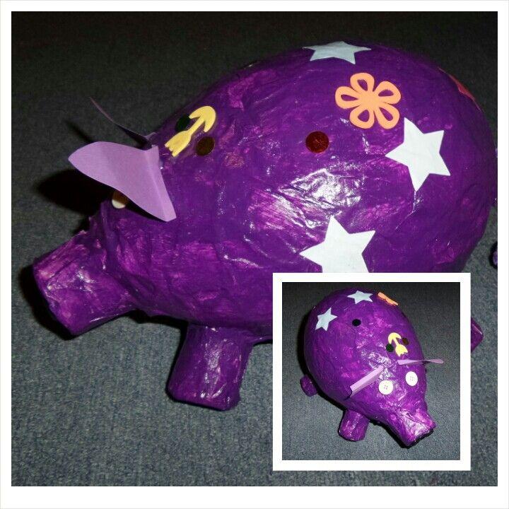 Cochon en papier mâché réalisé en derniere annee d'ecole maternelle. Decembre 2014