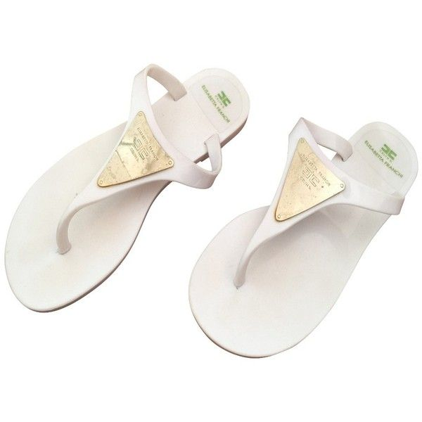 Pre-owned Flip Flops (2.227.095 IDR) ❤ liked on Polyvore featuring shoes, sandals, flip flops, white, plastic shoes, white sandals, elisabetta franchi, plastic sandals and elisabetta franchi shoes