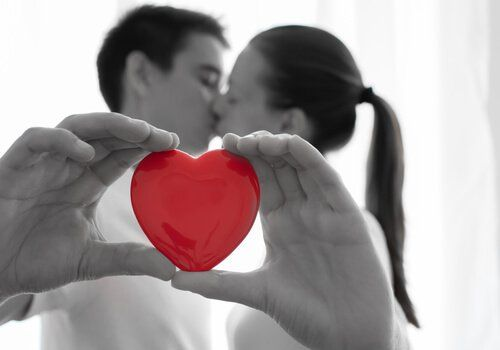 El amor es el ingrediente principal de toda relación de pareja; no obstante, se requieren de otros elementos para que ésta sea estable y duradera.
