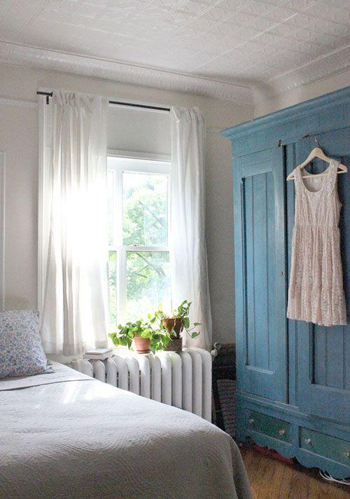lace summer dress on a vintage wardrobe: i'm in love (via Design*Sponge)