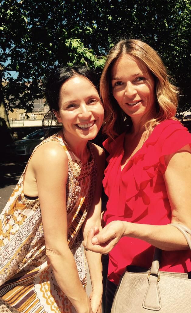 Andrea y Caroline Corr, #thecorrs Bellas.