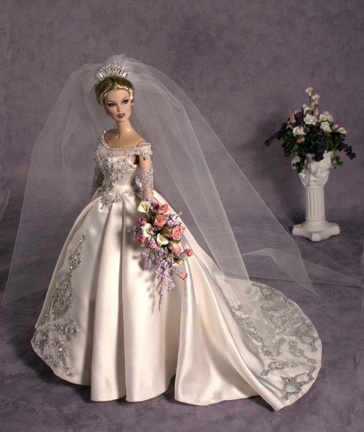 #bridal dolls wedding gowns barbies Tonner doll.1..3 qw
