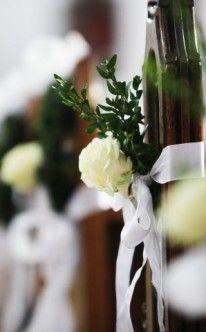 Klassische Kirchendekoration mit weiß und grün / Church Wedding Decorations white and green