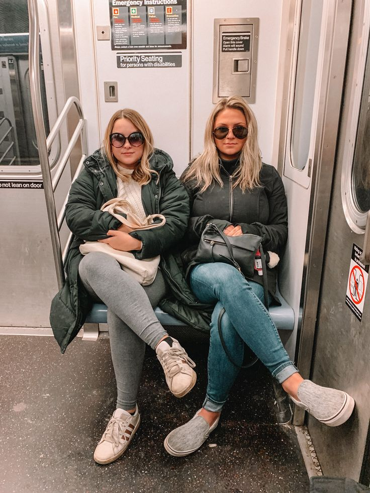 New York City Subway Photo | New york outfits, New york pictures, New york girls