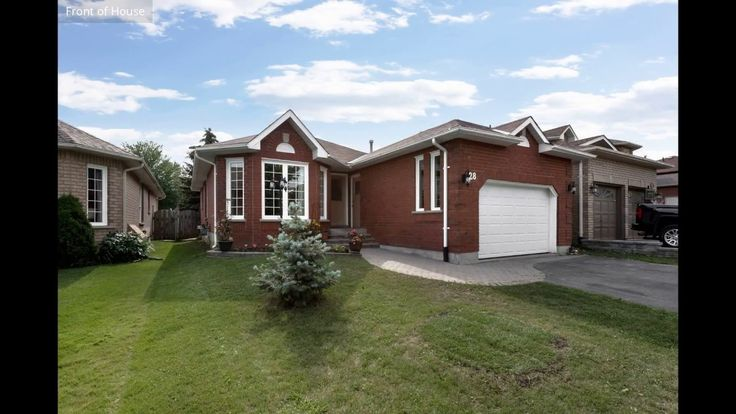 28 Simmons Crescent, Barrie ON L4N 7T7, Canada Beautifully updated bungalow finished top to bottom for Sale in North #Barrie #Realestate Watch the virtual tour for 28 Simmons Crescent. Contact Lucia Faria from ReMax Chay at 705-716-9759 or www.luciasells.ca for more details on the property