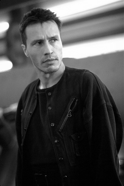 Michael Wincott...Another dude that was very attractive when he was younger. He has an amazing voice. Seriously, I just want him to read to me. Anything, a book, a newspaper the ingredients for Pringles, anything!
