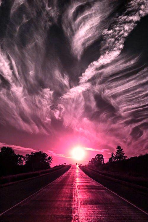 Um caminho cor de rosa ♡ A pink path #otimismo #optimism