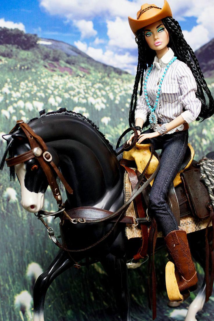 #PoppyParker #Doll Cowgirl ride on horseback