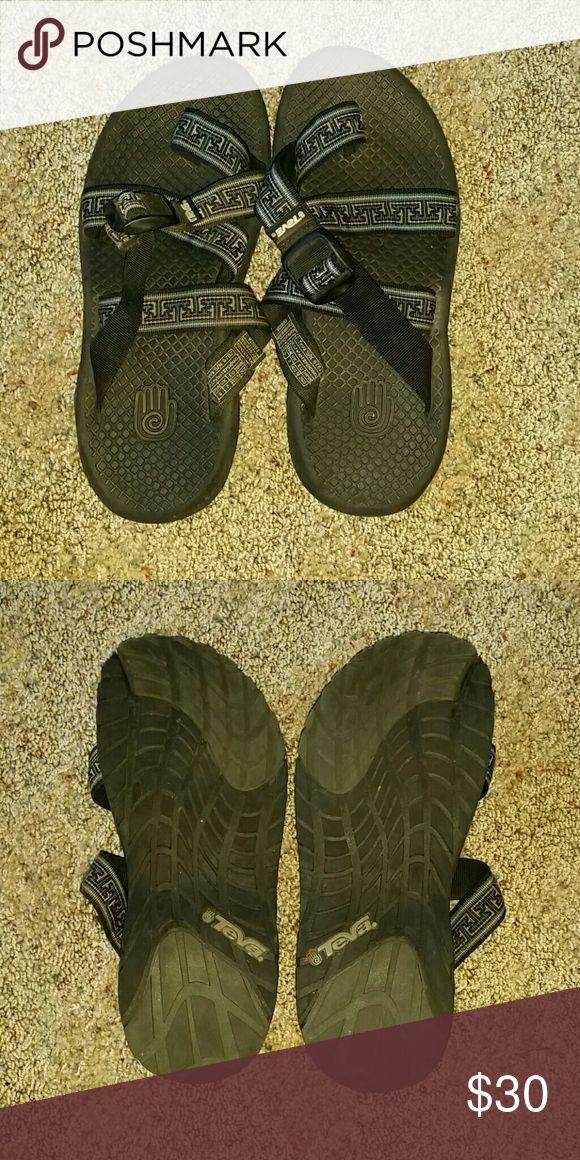 Teva Sandles In excellent condition! very little use. Teva Shoes Sandals & Flip-Flops
