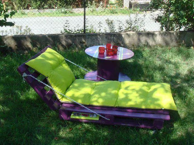 Tumbona de palets y colchonetas hecho a mano decoración mobiliario mueble jardín terraza  handmade