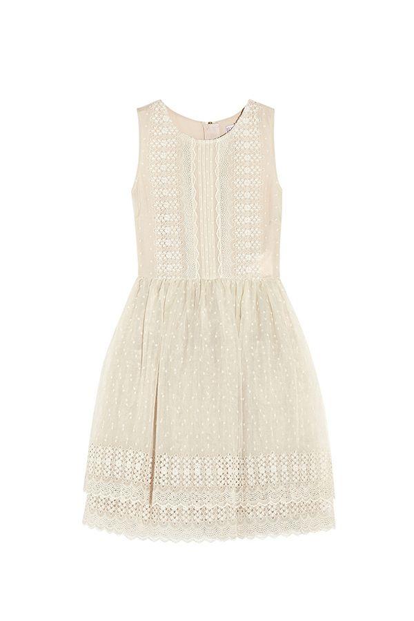 Vestido sencillo y elegante para novios nada tradicionales #bodamas #bodas #elcorteingles #moda #vestidos #novias
