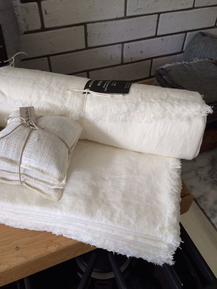 All white... Swedish linen by Axlings Linne. http://monc13.com/
