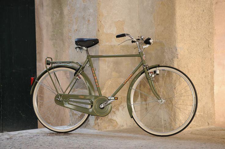 BICI GANNA MODELLO FIRENZE LUSSO R VIAGGIO UOMO CON CAMBIO 3 VELOCITA' NEL MOZZO NEXUS SHIMANO  DISPONIBILE ANCHE IN VERSIONE DONNA  COLORI: GRIGIO GANNA - NERO  PER ULTERIORI INFORMAZIONI SUL PRODOTTO:  http://www.ganna-retro.it/it/biciclette/uomo-3-v-_6_11.htm