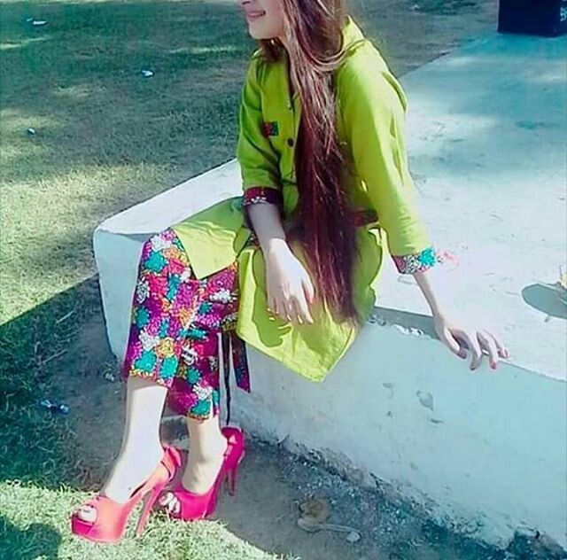 Colorful trousers and bright kurti. Very summery. Very Refreshing.