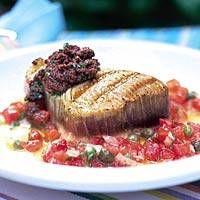 Tonijn met antiboise (tomaat-basilicumsaus)