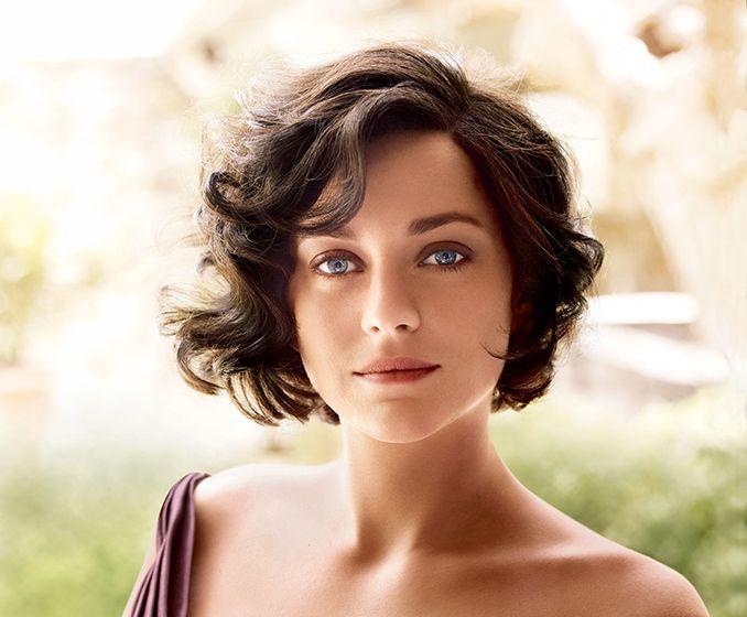 Marion Cotillard Short Hair Google Search In 2020 Haircuts For Wavy Hair Short Hair Styles Short Brown Haircuts