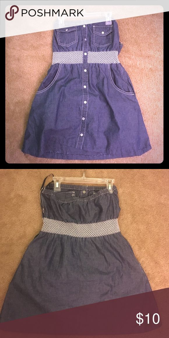 Denim short dress Worn once. Zips along the side. Perfect outfit for a date. Offers considered American Rag Dresses Strapless