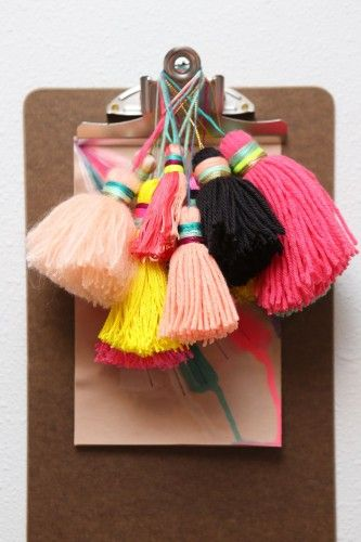 Colorful tassels // Borlas de colores