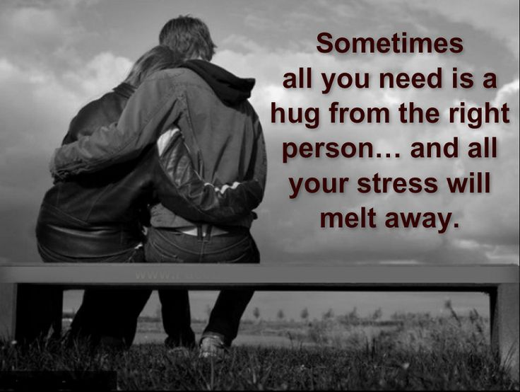 Hug Day: The Way Your Guy Hugs You Reveals What He Feels For You