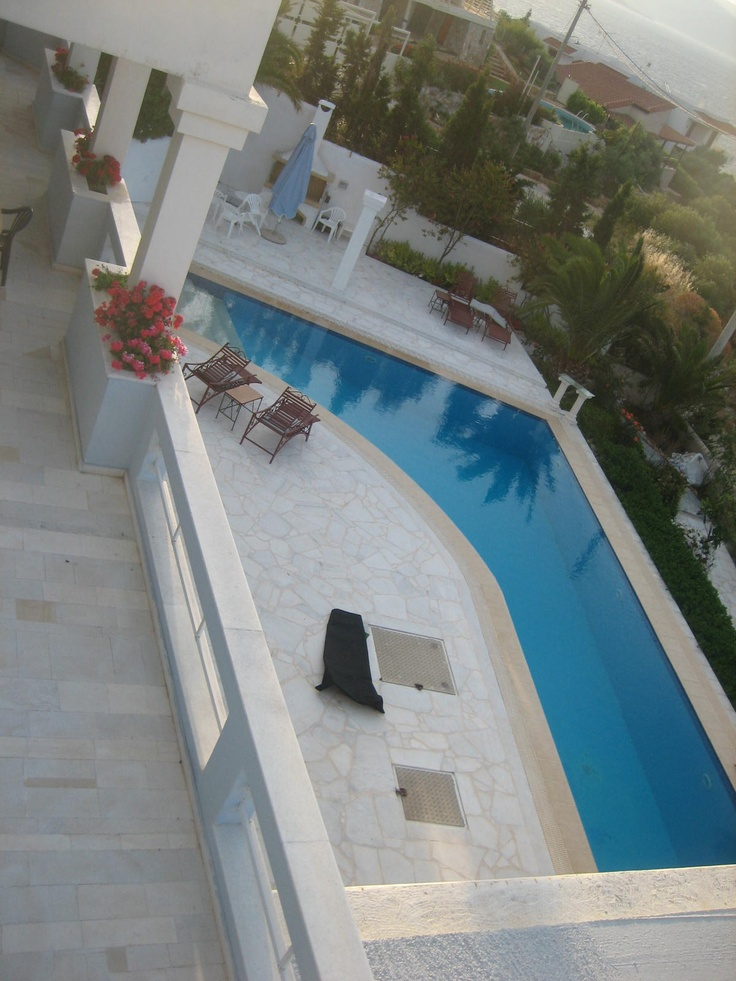House to rent in Marathon, Greece with amazing pool